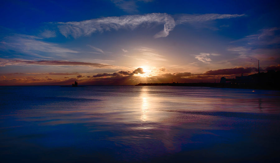 Beautiful still cold morning Quiet Serenity Beauty In Nature Cloud - Sky Habour Horizon Over Water Idyllic Intense Nature No People Outdoors Peaceful Reflection Refuge Scenics Sea Silhouette Sky Sunrise Tower Tranquil Scene Tranquility Water Whispy Clouds