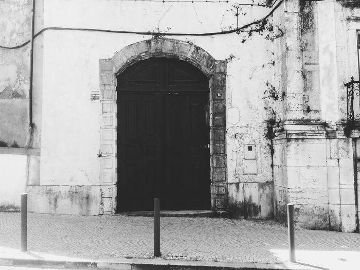 Antique Door... Blackandwhite Photography Antiquedoors Past Amateurphotography