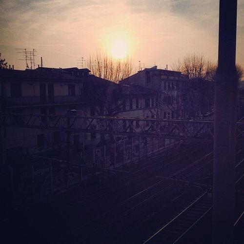 Buongiorno Sole Binari Buondi Stazione Nonlosopiu Sonnissimo