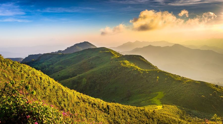 Finding New Frontiers Sunbeam Mountain Peak Outdoors Cloud - Sky Sunset Nature Beauty In Nature Mountain Mountain Range Sky Landscape View Travel thailand