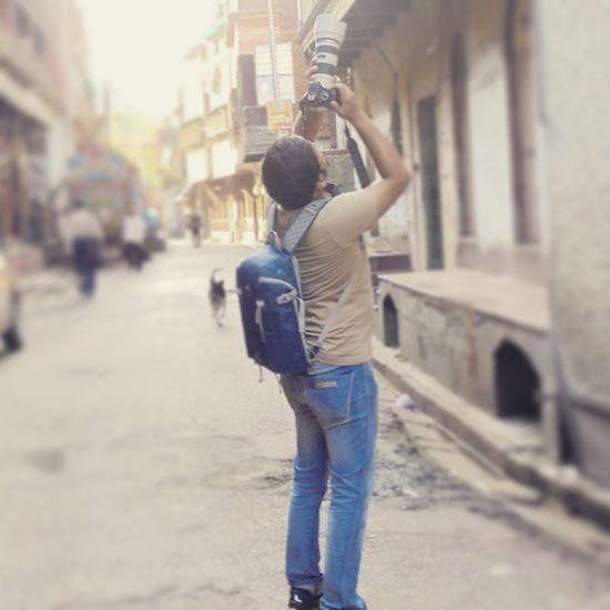 Sammya da in action for the Lookup contest photowalk... 😉😜 Lookup Contest Our_inspiration Leader Follower Kolkata Streets Northkolkata _soi Canon550D His Gadget Capturingthecapturer