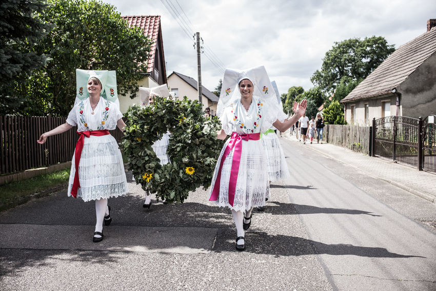 Brandenburg Byhleguhre Folk Costume Hahnrupfen Germany Girls Lusatia Procession Real People Summer Village Life