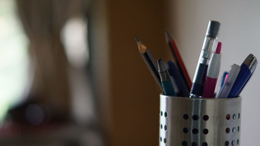 50mm F1.8 Sony Alpha 68 Choice Close-up Day Desk Organizer Education Focus On Foreground Indoors  No People Pen Pencil Stationery Holder Stationery Items Variation