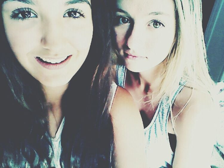 Bestfriend Big Love Friendship. ♡   Chillin Out At Home