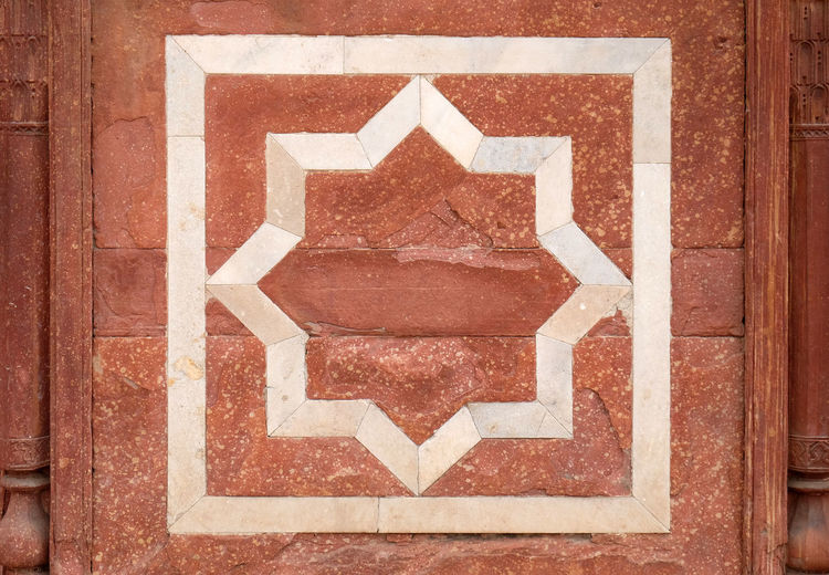 Architecture detail inside the Humayun's Tomb, built by Hamida Banu Begun in 1565-72, Delhi, India ASIA Delhi Empire Humayun India Persian Unesco Architecture Emperor Grave Heritage Historic History Islam Mausoleum Moghul Mogul Mughal Old Palace Pattern Stone Tomb