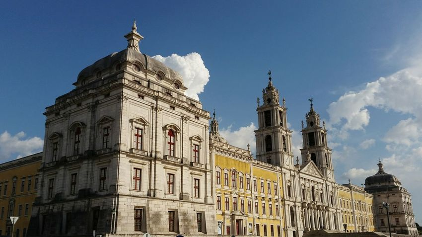 Mafra Convento De Mafra Clouds And Sky Historical Monuments Monument Taking Photos Seeing The Sights Landscapes With WhiteWall Here Belongs To Me Paint The Town Yellow Been There.