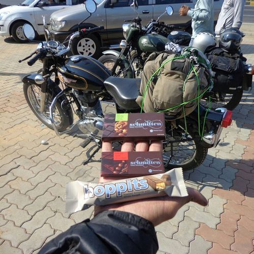 Made a quick stop at the Schmitten factory outlet on Nh8 . Chocolates Royalenfield REtripping Roadtripping