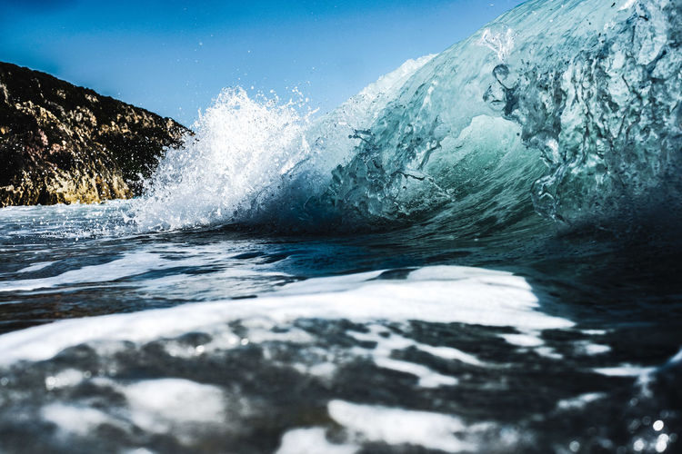 Wave underwater