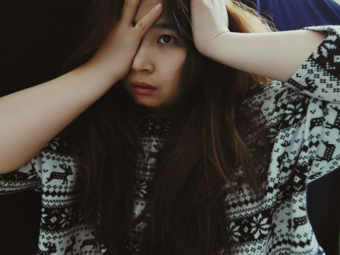 i must be going crazy..... Being Myself Me Anythingdope Checkthisout Women Of EyeEm Followme Photooftheday MeMyself&I Peoplephotography Posing For The Camera Selfie ✌ Beautiful ThatsMe Hello World Crazylook Women Asian  Bored Af Homesick :( Follow Me :) Missing Home Home Photography Model Faceless