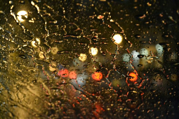 Rain Rainy Days Rain Drops Raining Blurred Visions Blurred Lights Blurred Perspective Rain On The Window Rain On Window Rain On Windshield