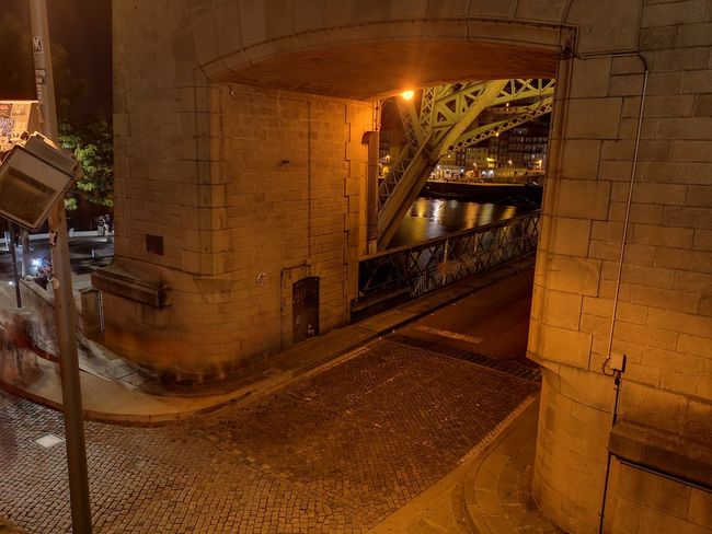 Ponte Luís I, entrada de Gaia Bridge Porto Portugal 🇵🇹 Porto Stories from the City HUAWEI Photo Award: After Dark Huaweiphotography Portugal Gaia Ponte Luis I Rio Douro Rio Douro River Rio Douro Portugal Cais De Gaia EyeEm Selects Illuminated City Spiral Staircase Architecture Built Structure