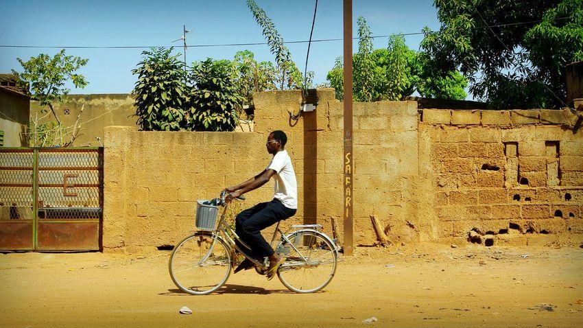 Project 55min - 4/55📷 Africa Burkina Faso Ouagadougou Project55min Street Photography Street Riding Bike African