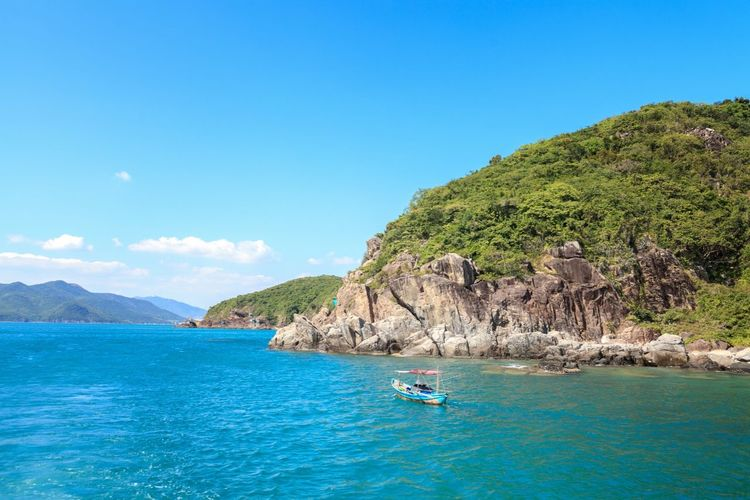 The Places I've Been Today Vietnam Vietnam Trip вьетнамфотограф Landscape Vacantion Seatrip Tourists Fishingboat Rocks
