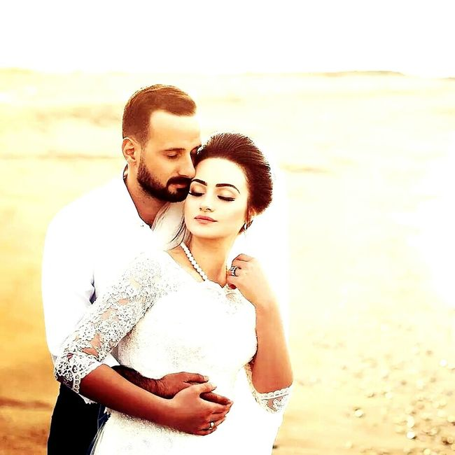 Photo Başoğlu Two People Love Heterosexual Couple Young Adult Couple - Relationship Young Men Young Couple Young Women Togetherness Romance Men Flirting Adults Only Affectionate Eyes Closed  Summer Dating Beach Sunlight Portrait