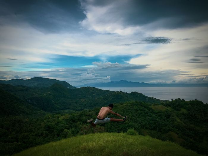 Relax, chill out and unwind with Mother Nature.😍 Adventure Nature Photography Mountain Range Naturelover Philippines The Great Outdoors - 2018 EyeEm Awards Tree Mountain