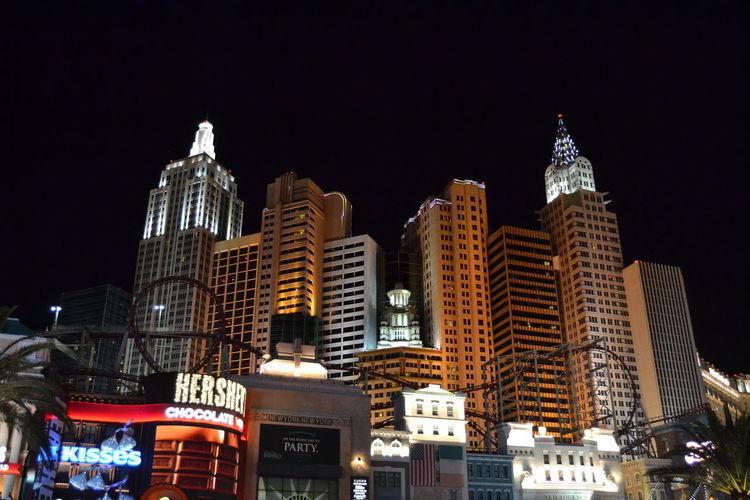 Las Vegas Las Vegas NV New York, New York Nevada, USA Nevada Night Illuminated Skyscraper Architecture Urban Skyline City Hotel Nikon D5200 Southwest USA USA Gambling Rollercoaster Achterbahn Vegas  Vegas Baby The Architect - 2017 EyeEm Awards Neighborhood Map