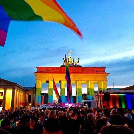 Berlin Prayfororlando Berlinfororlando Brandenburger Tor Brandenburg Gate Pariser Platz EyeEm Best Shots Tolerance Berlinstagram My Fuckin Berlin Rainbow Gay IPhoneography Europe