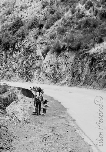 Two People Nature People Cusco, Peru Paisagem Reflexão  Nature Peru Viagem Family Família