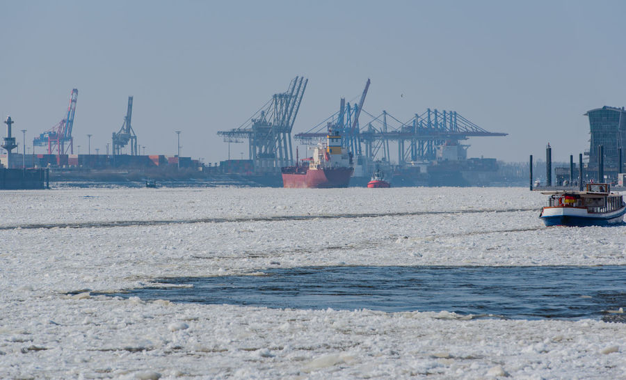 Ice floes in the Hamburg harbor Architecture Container Port Elbe Philharmonic Hall Frozen Hamburg Hamburg Harbour Harbour Iced Up Pier Riverside St. Pauli Terminal Burchardkai Winter Wooden Bridge Bridge Built Structure Canal Floes Landing Stages Low Waters Memory Town Pack Ice River The Elbe Water