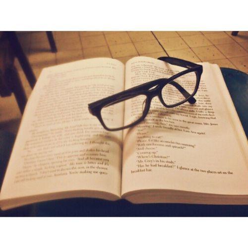 UNFORTUNTELY I NEED TO STOP READING, pheeeew. DAHIL SA RC.LAB! Blaaaaah. :( ChristianGrey Book3 Fiftyshadestrilogy Grey Darker Freed