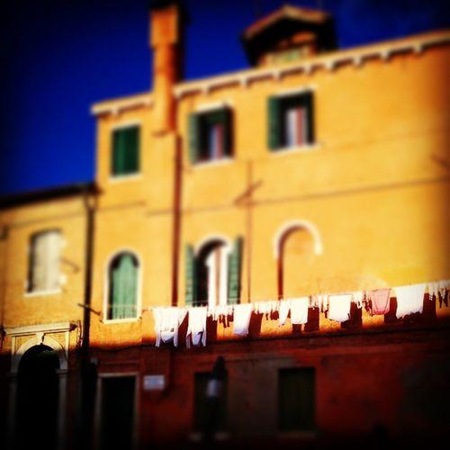 Venice Chiaroscuri Sunny Linen Pannialsole Venezia