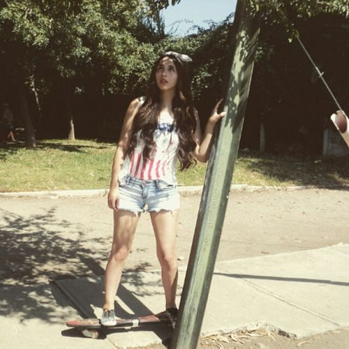 Vogue! Summer Hipster Skinny Skater Girl Skateboarding Skate Vogue Legs Sun Long Hair
