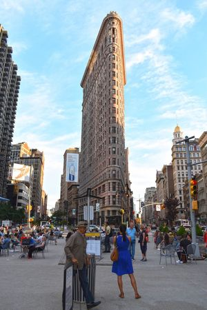Flatiron Building Flatironbuilding Streetphotography Street Photography Street Life Streetphoto Architecture Large Group Of People Built Structure Building Exterior Real People Walking City Life Day Men Sky Cloud - Sky City Travel Destinations Women Lifestyles Outdoors People (null)Clear Sky