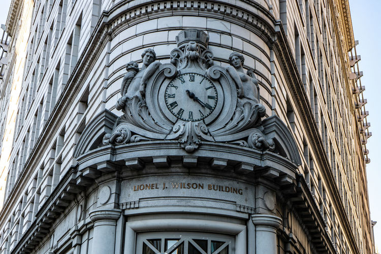 Built Structure Low Angle View Architecture Building Exterior No People Building Day History The Past Religion Belief Place Of Worship Clock Spirituality Arch Travel Destinations Art And Craft Outdoors Ornate