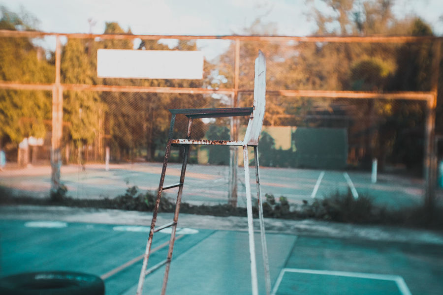 Tennis Ball Tennis 🎾 Tenniscourt Tenniscourt Tennis Net Tennis Court Tennislife Tennis Courts Tennis <3 Tennislover❤ Tennislover❤ Tennis Club Tennis Match Sport Court Chair Sky