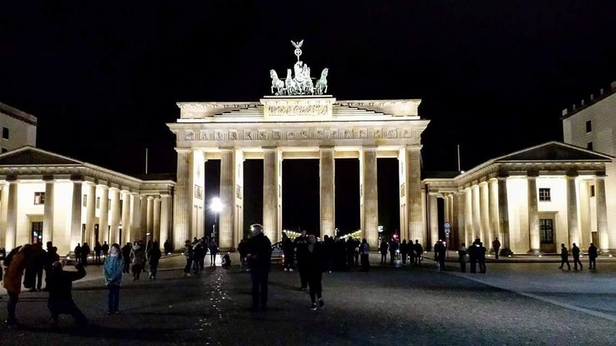 Brandenburg Brandenburger Tor Berlin Berlintourist Berlin Street Photography Berlinstagram Berlin Life Berlin Photography Eyem Best Shot - My World BerlinBerlin Market Eye4photography  Eyem Market Brandenburger_Tor Sculpture Night Sky Outdoors History City Platz Discover Berlin