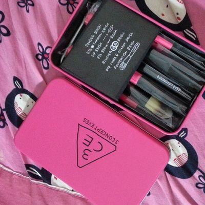 Yay :D từ bg tập vẽ vời thôi =))) Makeup Mini Brushkit 3ce
