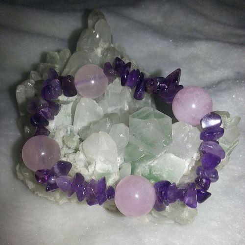 不定形 紫晶 配四粒 粉晶 (11mm) 手串 優惠價$98 只有一條 水晶 礦石 天然水晶