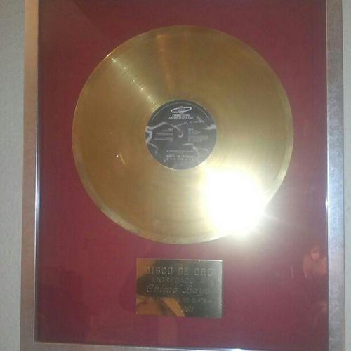 La tarde con un disco de oro... #VivaLaMusica #GoGoGo Gogogo Vivalamusica
