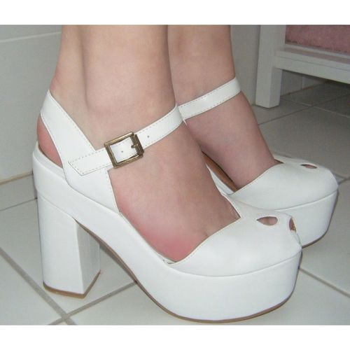 In love with these Jeffrey Campbell and Wildfox Couture Heels!! Buy them and I'll love you forever! ;)