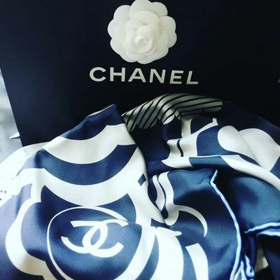 New scarf from my brother HappyBirthdayToMe Birthdaypresent Chanel Silkscarf