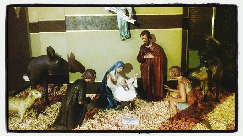 Tão singelo por isso mesmo tão lindo. Church (: Nativity Scene Mosteiro São Bento Natal Decor
