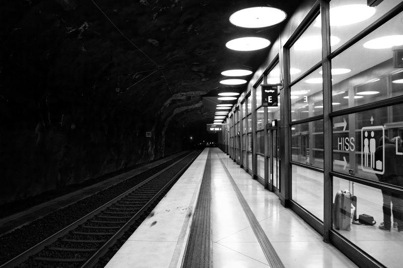 Transportation Rail Transportation Railroad Station Railroad Station Platform Public Transportation Railroad Track Black & White Architecture Sweden Arlanda Stockholm Stockholm, Sweden Traveling Travel