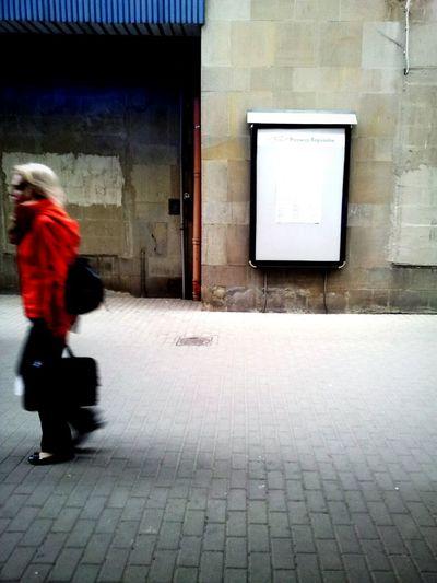 Reportaż ! Poznań Dworzec Pkp Ludzie People Poland Red Train Station First Eyeem Photo Stacjapoznanglowny