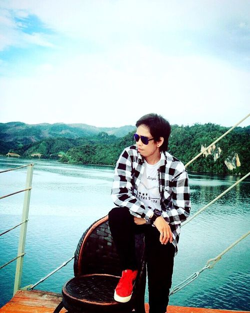 Enjoy the view ⛅️ 🌊 🏔 🗻 Hello World That's Me Check This Out Taking Photos Relaxing Enjoying Life Holiday Adventure Trip Nature Travel Photography Beachphotography Traveling The Journey Is The Destination Fashion Photography Style Fashion Visitindonesia Exploreindonesia Sulawesitenggara Kolakautara Cheese!