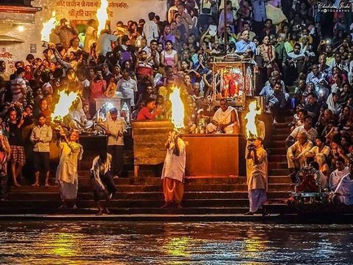 Ganga Aarti at Haridwar. Ganga Haridwar Uttarakhand India Hindu Ritual Igindia Igramming_india Indiapictures India_gram Indiaclicks Indiaphotos _soi Lonelyplanetindia Ig_uttarakhand Igersoftheday Igers Travel Wanderlust Stories of india
