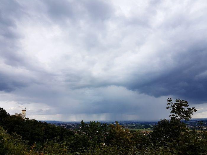 Regenschwaden im Osten