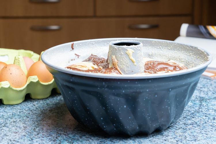 A bundt pan