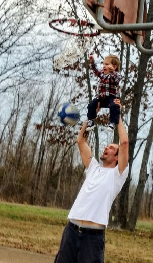 Men Dad And Son Daddy Knows Best SlamDunk His Heart.  HERO Daddy's Hands