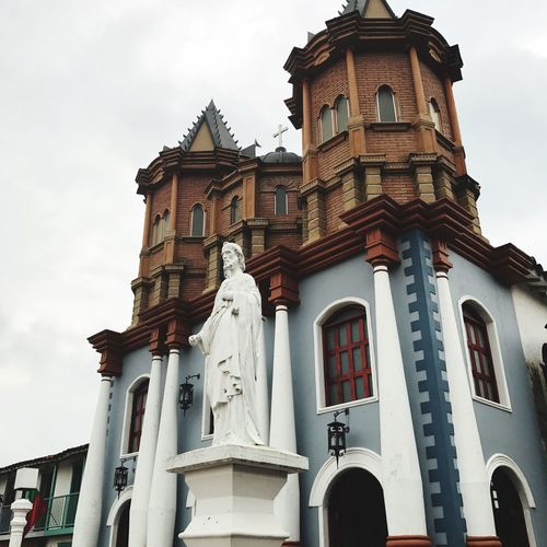 El Viejo Peñol Medellín Building Exterior Architecture Day Outdoors Place Of Worship