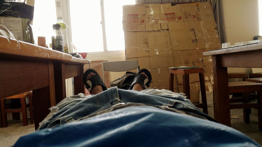 然後看日出 一個人在教室陪模型睡覺 Enjoying Life