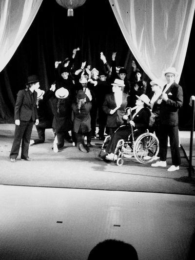 Lycée François Truffaut France Theatre Arts Amis  Madame Est Trop Belle Magique