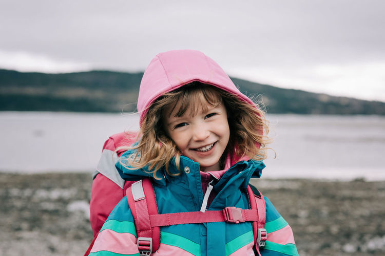 Portrait of a smiling girl in winter