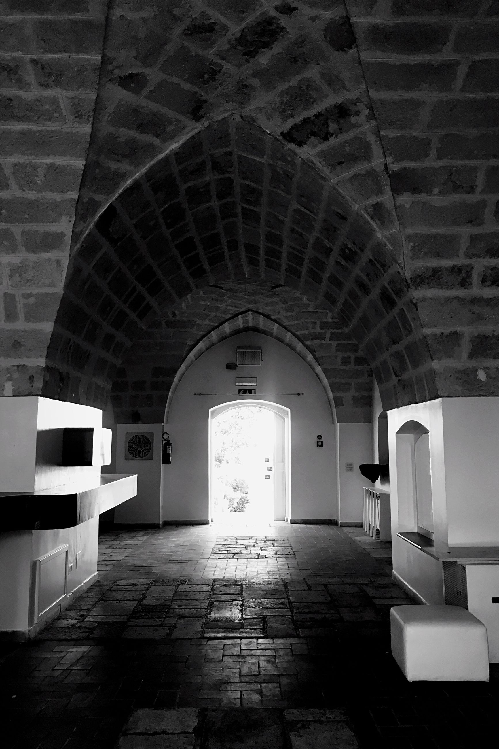 architecture, indoors, built structure, arch, no people, the way forward, day
