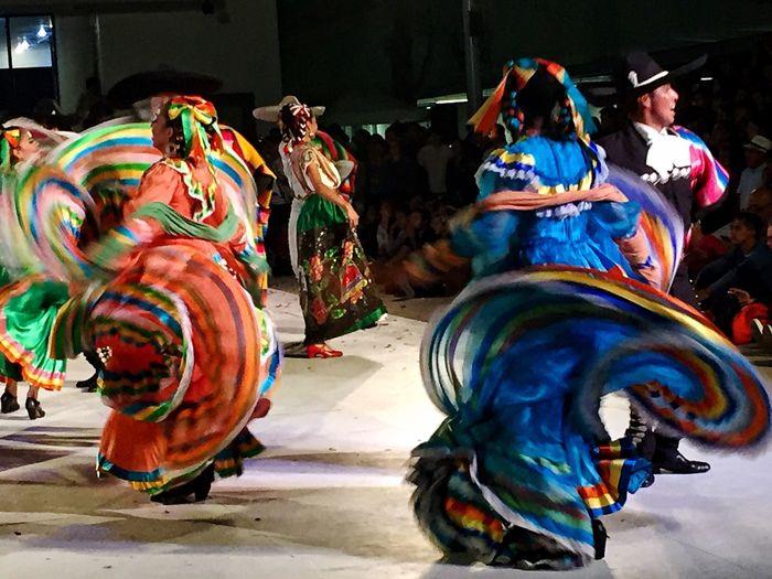 Mexico De Mis Amores Baile Outdoors Mexican Folklor Mexicolors Folklore Mexican Culture Baile Folclórico Zapateado Falda Mexico Vibrant Color Multi Colored Artistic Expression Dancing Colorful Celebration Night Enjoyment