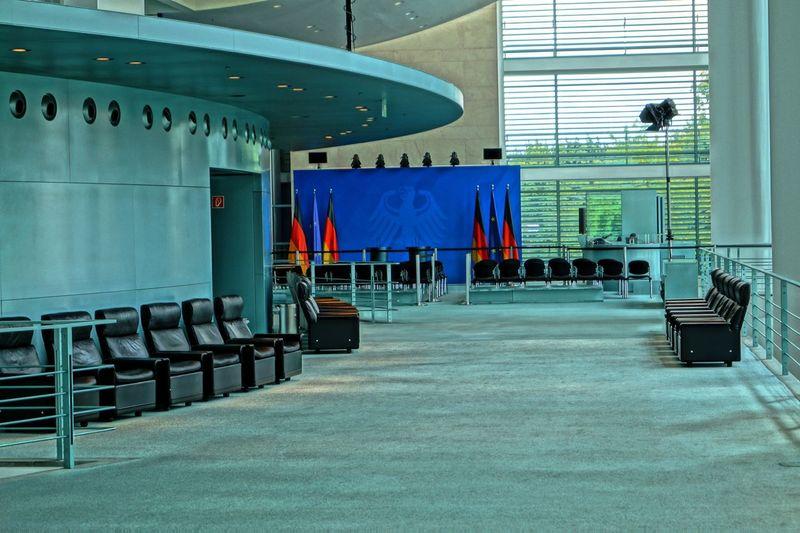Bundeskanzleramt Pressebereich Berlin Bundeskanzleramt Bundesregierung Chancellery Chancellor Deutschland Empty Germany Indoor Innenansicht Leer Presse Pressekonferenz Raum Room
